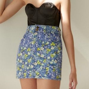 URBAN OUTFITTERS LAURA ASHLEY Denim Floral Skort S